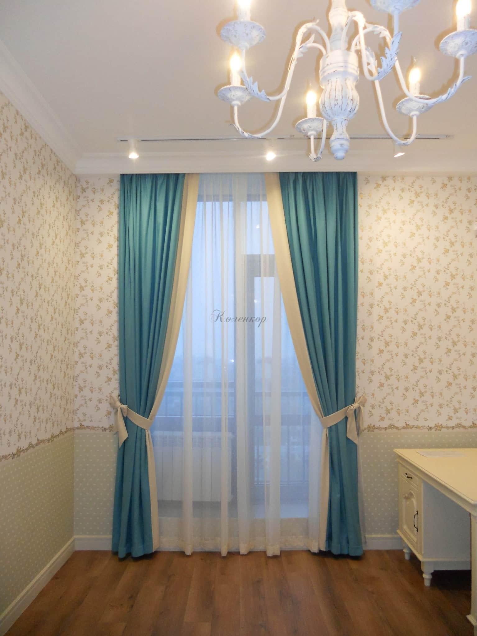 Синие шторы в интерьере детской