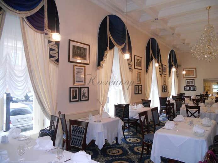 Французские шторы в интерьере ресторана