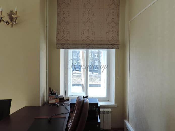 Римские шторы с узором для кабинета