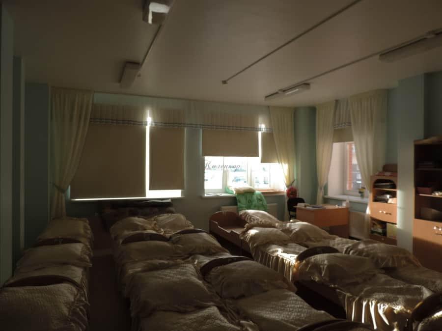 Фото штор 50: жалюзи, плиссе, рулонные шторы